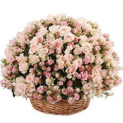 товар 201 кустовая роза в корзине