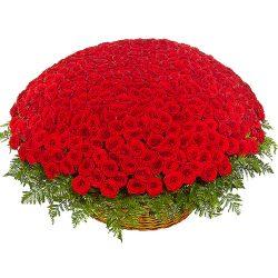 1001 роза в корзине товар