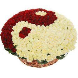 """товар 101 роза """"Инь-Ян"""" в корзине"""
