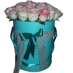 товар 21 розовая роза Джумилия в шляпной коробке