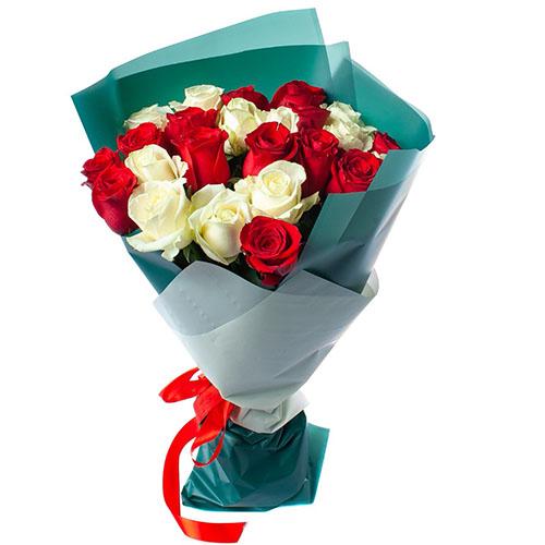 товар 25 роз красных и белых