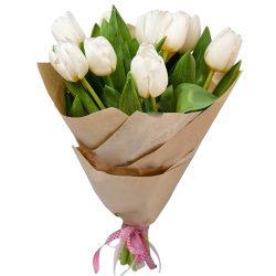 букет 11 белых тюльпанов