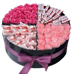 Любовь любой ценой розы и сладости в коробке