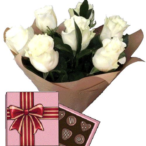 товар 7 белых роз с конфетами