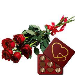 картинка 5 красных роз с конфетами